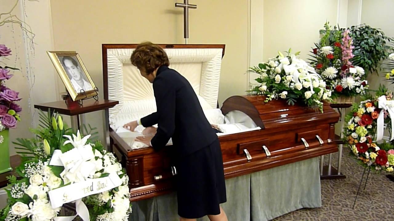 Closed casket body