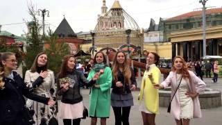 Девушки поют Русские песни в Москве!