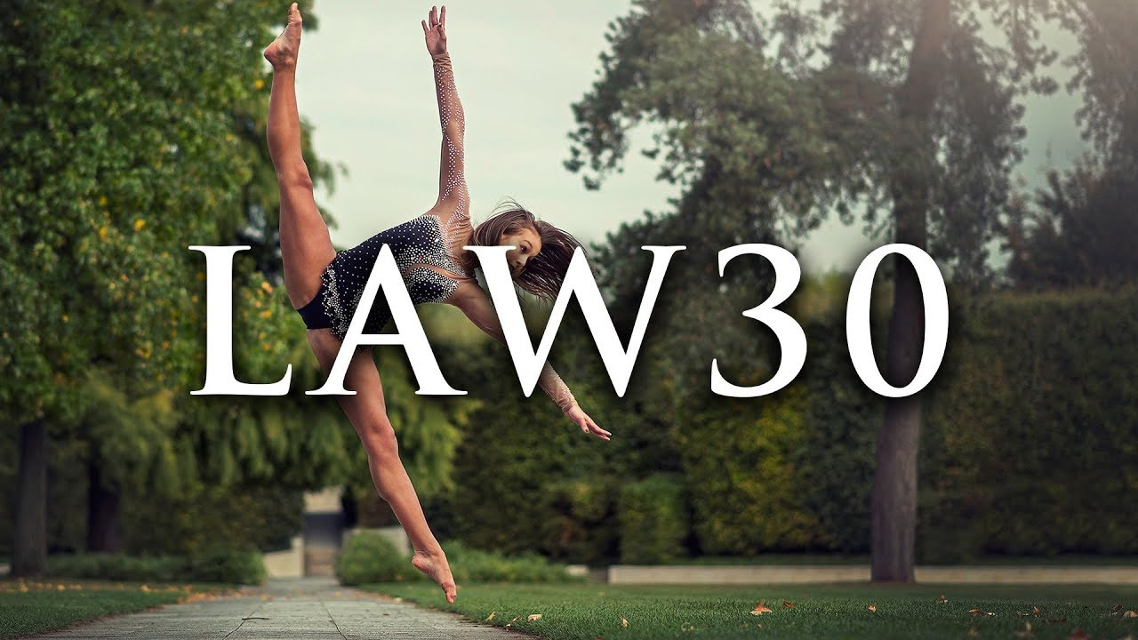 law make your accomplishments seem effortless laws of law 30 make your accomplishments seem effortless 48 laws of power visual book summary