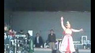 Shabnur dancing in bangla mela 2007 (Barking)