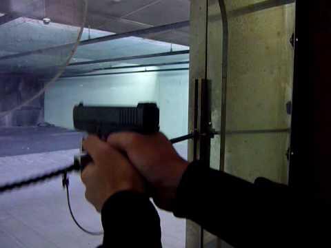 実弾射撃 GLOCK 28 380口径 - YouTube