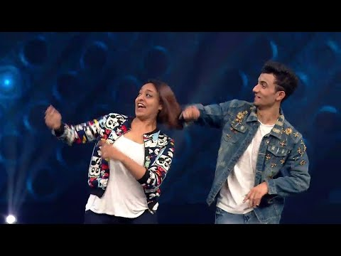 Hook Up Song - Student Of The Year 2 | Piyush - Shazia | Live Peformace | INDI KING