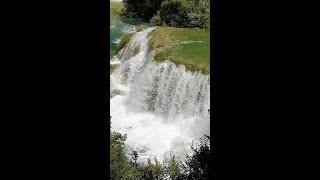 Оксана Марченко на живописных водопадах Хорватии