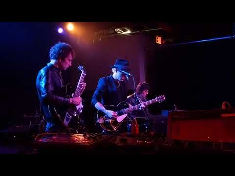 Twisted Wires - One NIght At The Raw Deal (Chromatics)