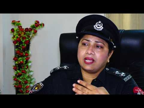 Pakistan's First Female Police Chief Breaking Cultural Taboos