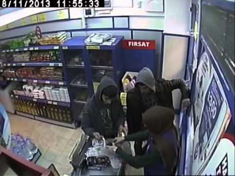 Marketteki bıçaklı gasp kamerada