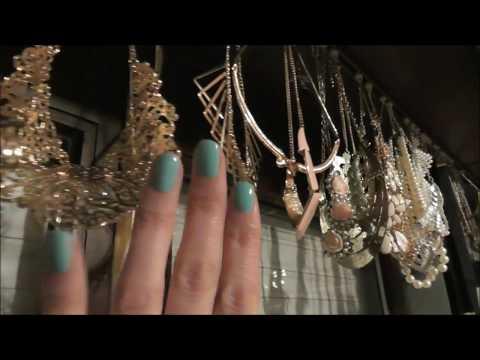 Necklace curtain - ASMR whisper