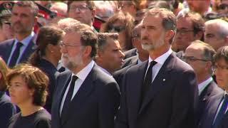Minuto de silencio en la Plaza Catalunya en recuerdo de víctimas atentado