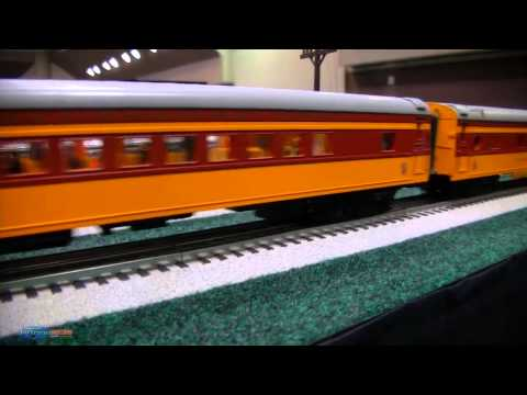 O and HO Scale Model Trains (Amtrak Hiawatha and Aeolus Railroad Car)