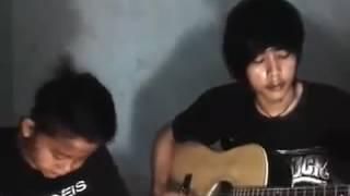 Anak kecil nyanyi lagu sedih