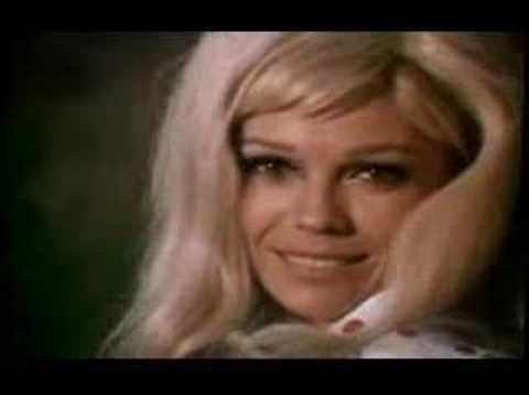 Клип Nancy Sinatra - Sugar Town
