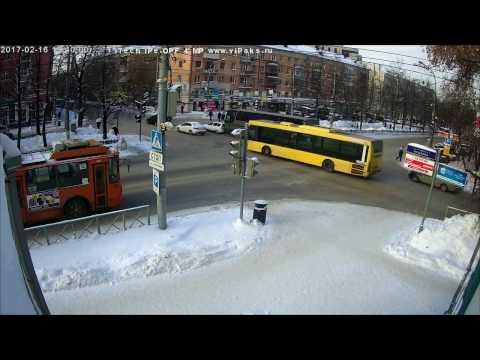 Автобус сделал паровозик, ДТП Пермь, Компрос-Пушкина