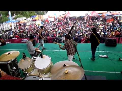 The Noname Yang Penting Happy Cover ( Jamal Mirdad )