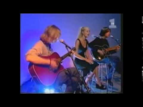 Mindy McCready - Oh Romeo [Live Acoustic on VH1 1998]