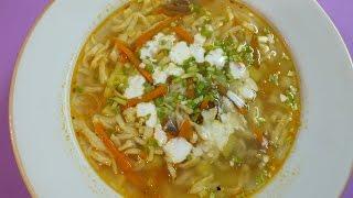 Суп с домашней лапшой и помидорами. Рекомендую.