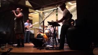 Jive Nene feat. Simone Cole live at Tapa Bar, Hilton Hawaiian Village