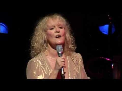Petula Clark - Chariot (Live Olympia)