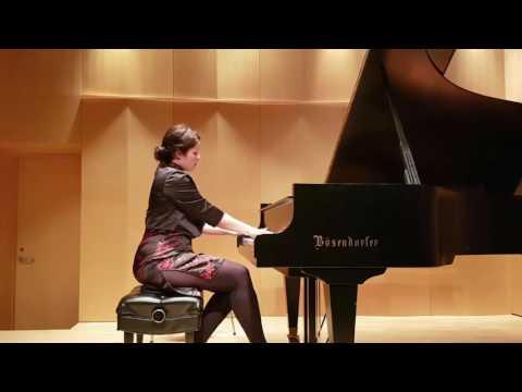 Marine playing Schumann   Studio de Piano Tristan Lauber