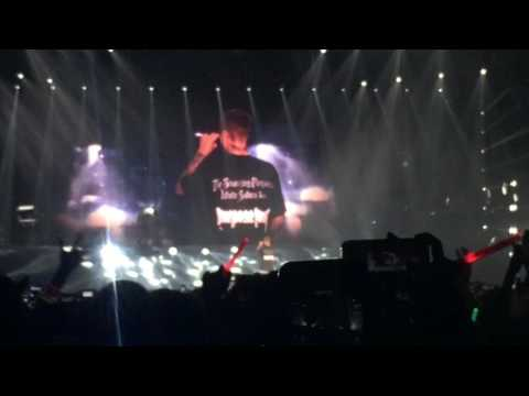 Life Is Worth Living - Justin Bieber Live In Japan