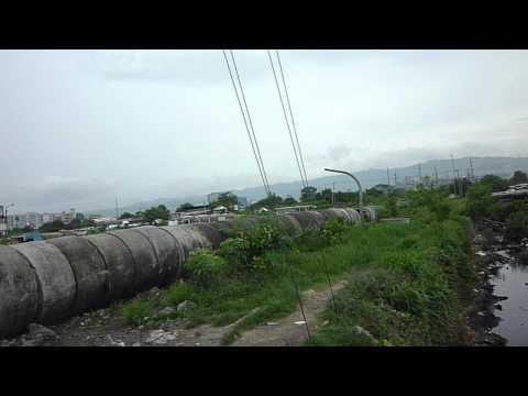P1100207.MOV De squatters in de reclamation area van de foto's van forumlid GANDA