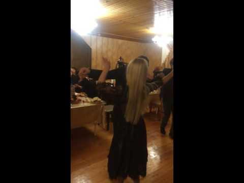 как рустам хасанов танцует на свадьбе друга полный