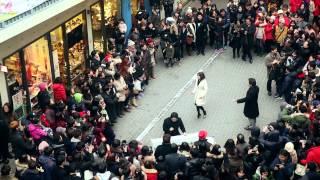 A Surprise at Samji mall, Insadong in Seoul (인사동 쌈지길 플래시몹) - Brindisi, La Traviata (축배의 노래)