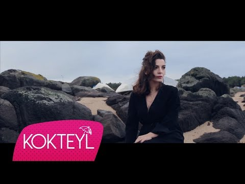 Özlem Akgüneş - Falancanın Öptüğü Diş [Official Video]