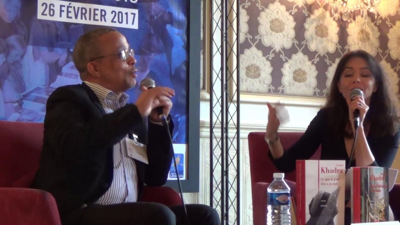 Yasmina Khadra entretien avec Karine Papillaux le 26 février 2017 au salon du livre de Levallois