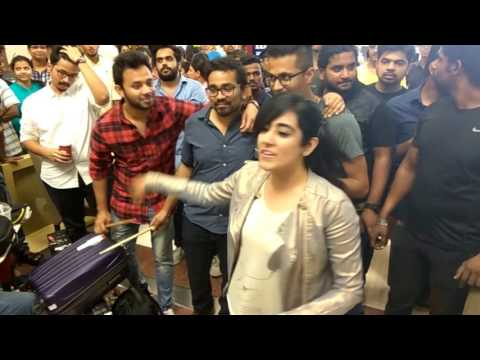 Despite rain, Jonita Gandhi killing it in Forum mall, Bangalore.