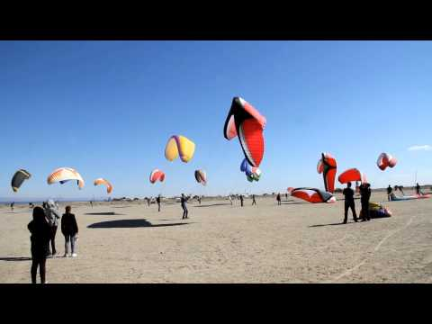 Paraglider KITING WAR - BlackHawk Paramotor's Salton Sea Fly-In 2013!
