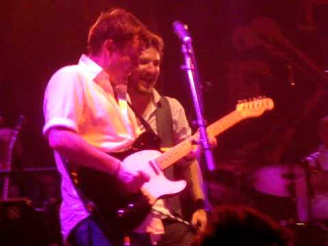 Frank Turner - Somebody to Love (Queen cover, live) - Reading Festival 2011, 28 August 2011