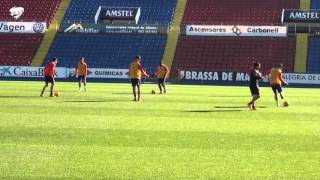 El equipo prepara el partido ante la UD Las Palmas a puerta cerrada en el Ciutat de València