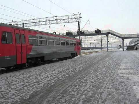 РА1-0084 с пригородным поездом Агрыз-Ижевск на ст.Ижевск
