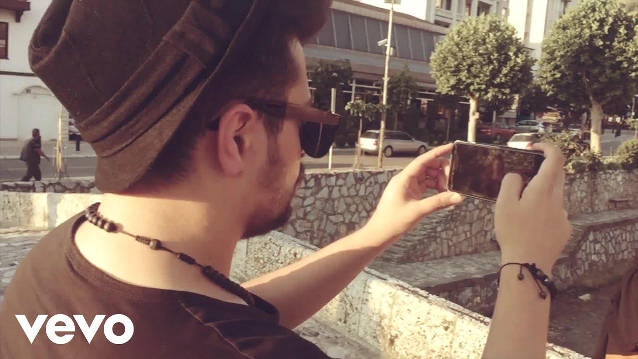 Download Elvana Gjata - Love me (Official MobilePhoneVideo) ft. Bruno