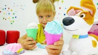 Видео про игрушки из Тайная жизнь домашних животных. Игра в магазин. Делаем торт из Плей До