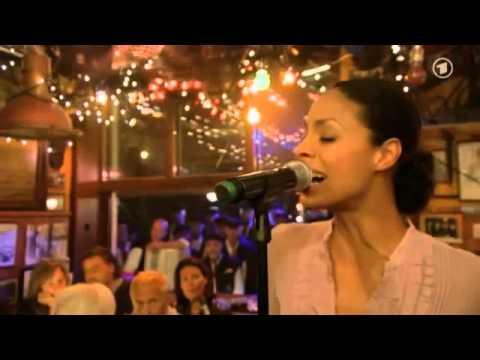 """Astrid North mit """"Lightning"""" bei Ina's Nacht"""