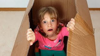 Alena wants to play mom and hid in a box