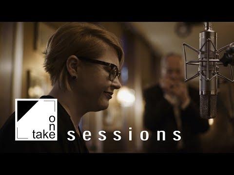 Karin Bachner & Richard Oesterreicher - Amar Pelos Dois (Salvador Sobral Cover) | One take sessions