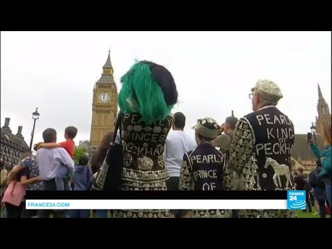 UK – Big Ben sounds its midday bongs for the last time in four years… and it upsets many Brits!
