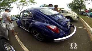 VW Fusca Azul Personalizado - Encontro de Carros Antigos de Brasília (06-04-2013)