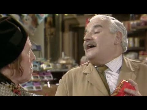 Open All Hours - s02e03 - Fig Biscuits And Inspirational Toilet Rolls