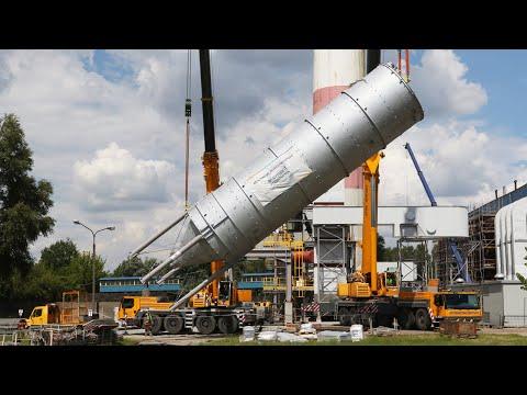 Zbiornik ważący ponad 30 ton przywieziono dziś na teren ciepłowni ZEC w Pabianicach