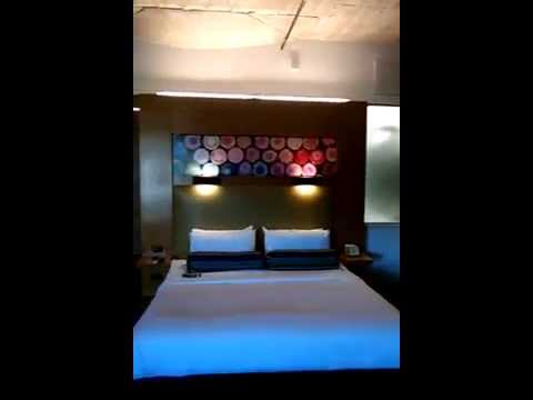 Aloft hotel Dallas: A-loft room 420 Downtown Hotel