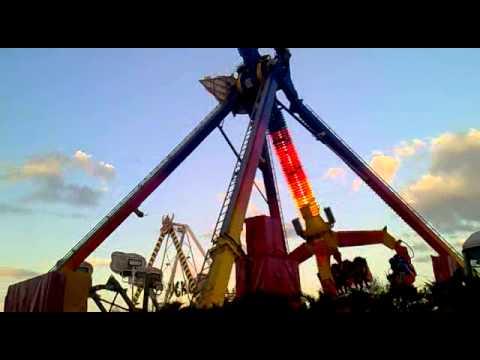 Atracci n boomerang en las fiestas de alcobendas 2012 madrid youtube - Fiestas en alcobendas ...
