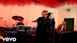 Watch Rob Halford Donner And Blitzen video