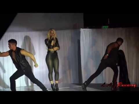 Jillisa Lynn Performs at LA Runway