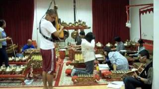 indonesian contemporary music with gamelan KBRI Berlin part 1 of 2