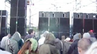 TEKNIVAL 1er mai 2003 à Marigny - live psykonote sur le mur des Dklé