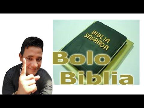 Bolo Livro da Biblia Sagrada  uso de glacê marmore e pasta americana