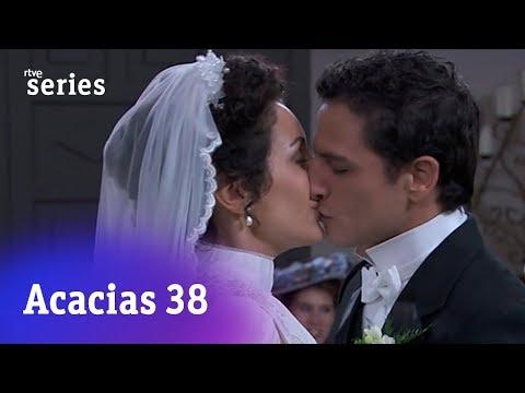 Acacias 38: El 'sí, quiero' de Lolita y Antoñito #Acacias925 | RTVE Series